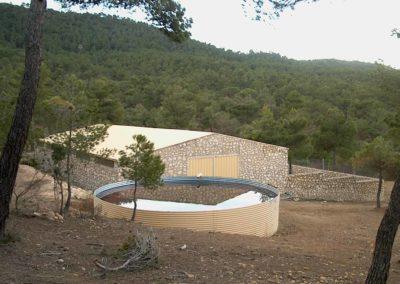 Construcción de aprisco para ganado y depósito de agua Font Roja
